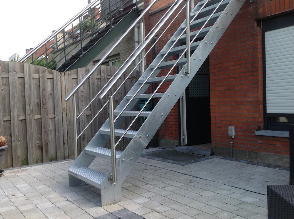 Laswerken ravache balustrades leuningen for Balustrade trap