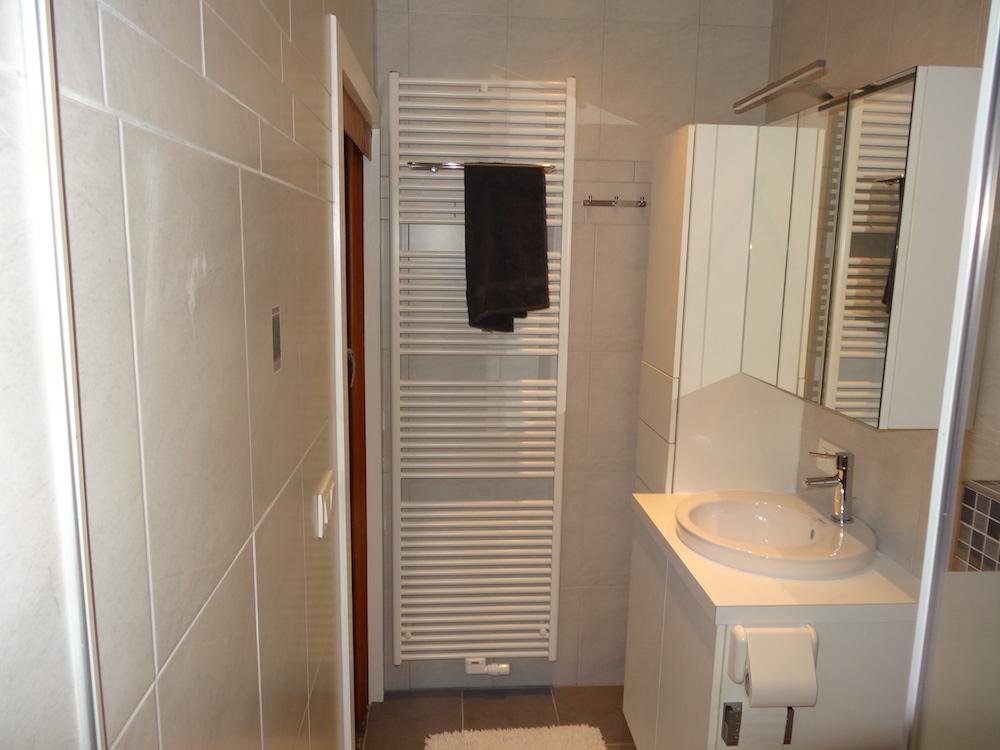 Badkamer Renovatie Edegem : Laswerken ravache badkamerrenovatie